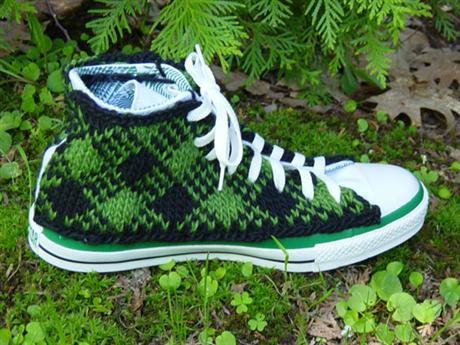 hand-knitted-converse-03