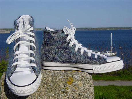 hand-knitted-converse-04
