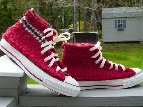 hand-knitted-converse-05