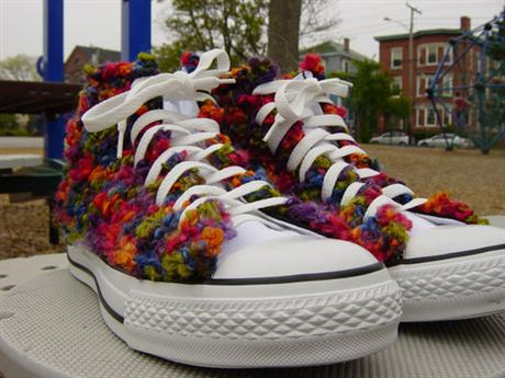 hand-knitted-converse-06