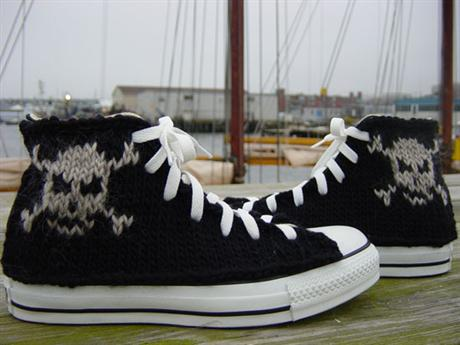 hand-knitted-converse-07